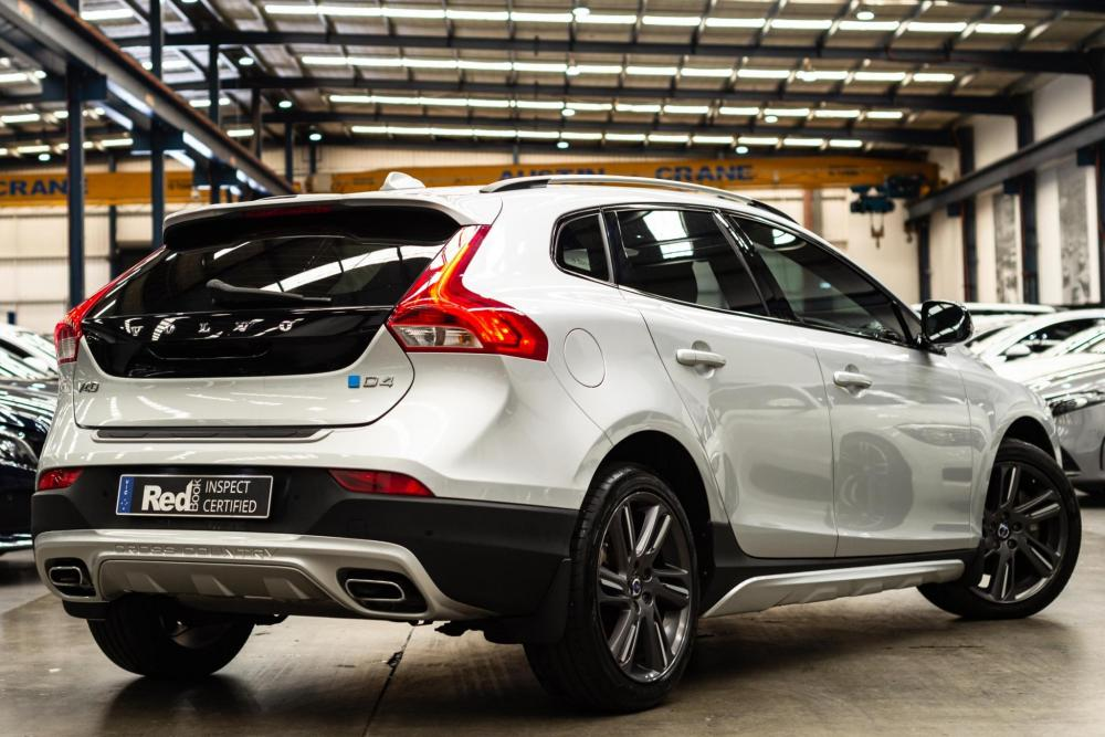 2016 Volvo V40 Cross Country D4 Luxury Hatchback 5dr Adap Geartronic 8sp 2.0DTT [MY16]
